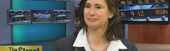 Liz joins The Street to review how the US dollar is effecting earnings